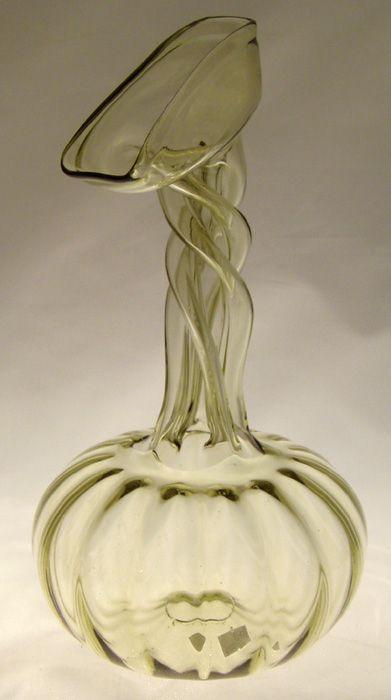 Picí (jezdecká) lahev tzv. Kuttrolf